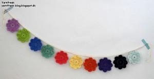 Ranke med små blomster-doilies