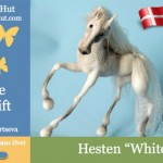 Hesten White Dream – nu på dansk