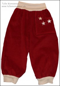 Røde fløjlsbukser med stjerner