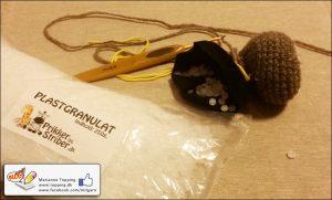 Plastgranulat til vægt i hæklet bamses fødder